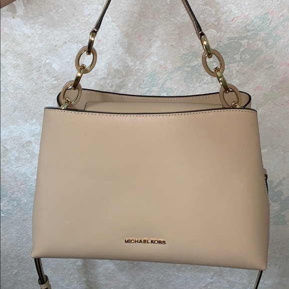 bf47db06533ec4 Michael Kors Bags   Brand New Crossbodyhandbag   Poshmark